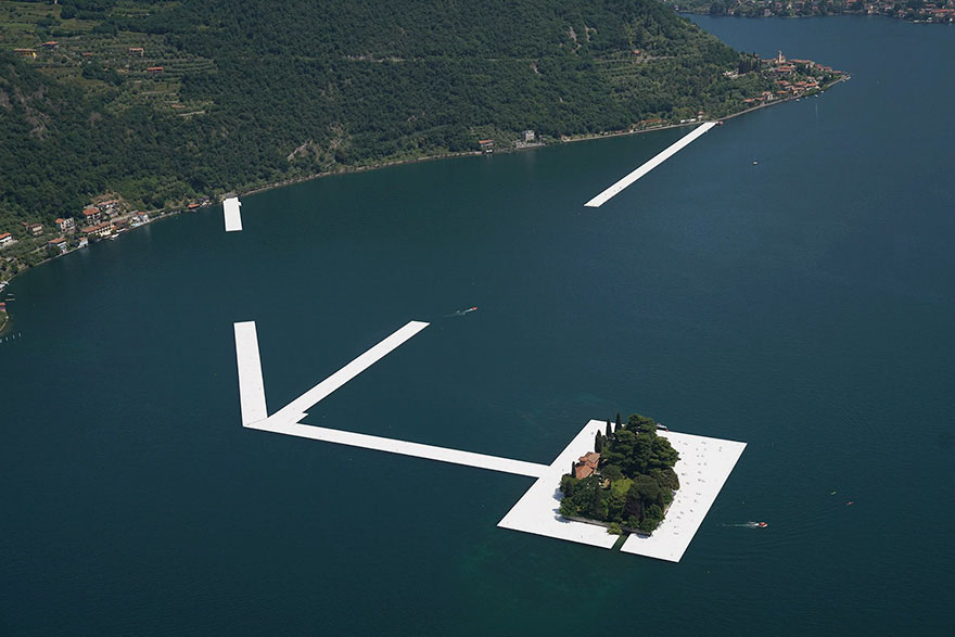 floating-piers-open-christo-jeanne-claude-italy-10
