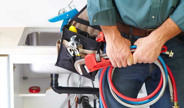 5 Plumbing Tools Every Homeowner Should Have On Hand