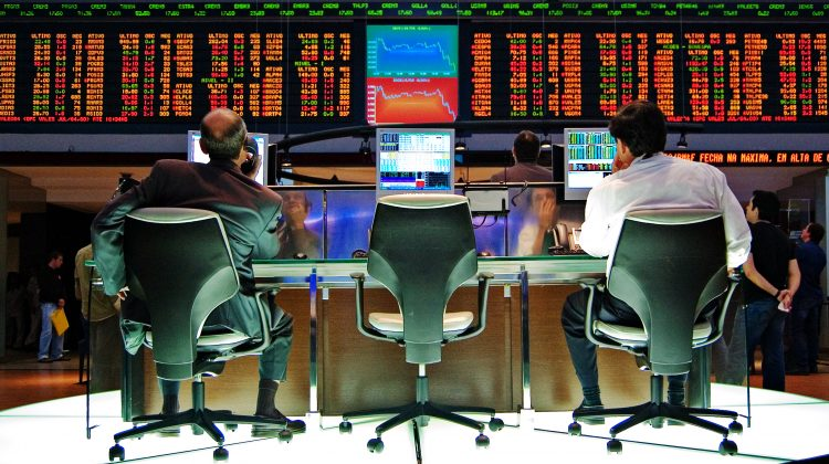 How Professional Traders Make Money In The Stock Market